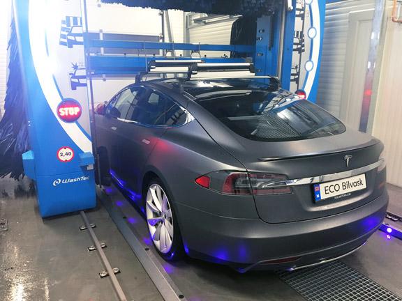 Tesla Bruker den nye maskinvaskemaskinen